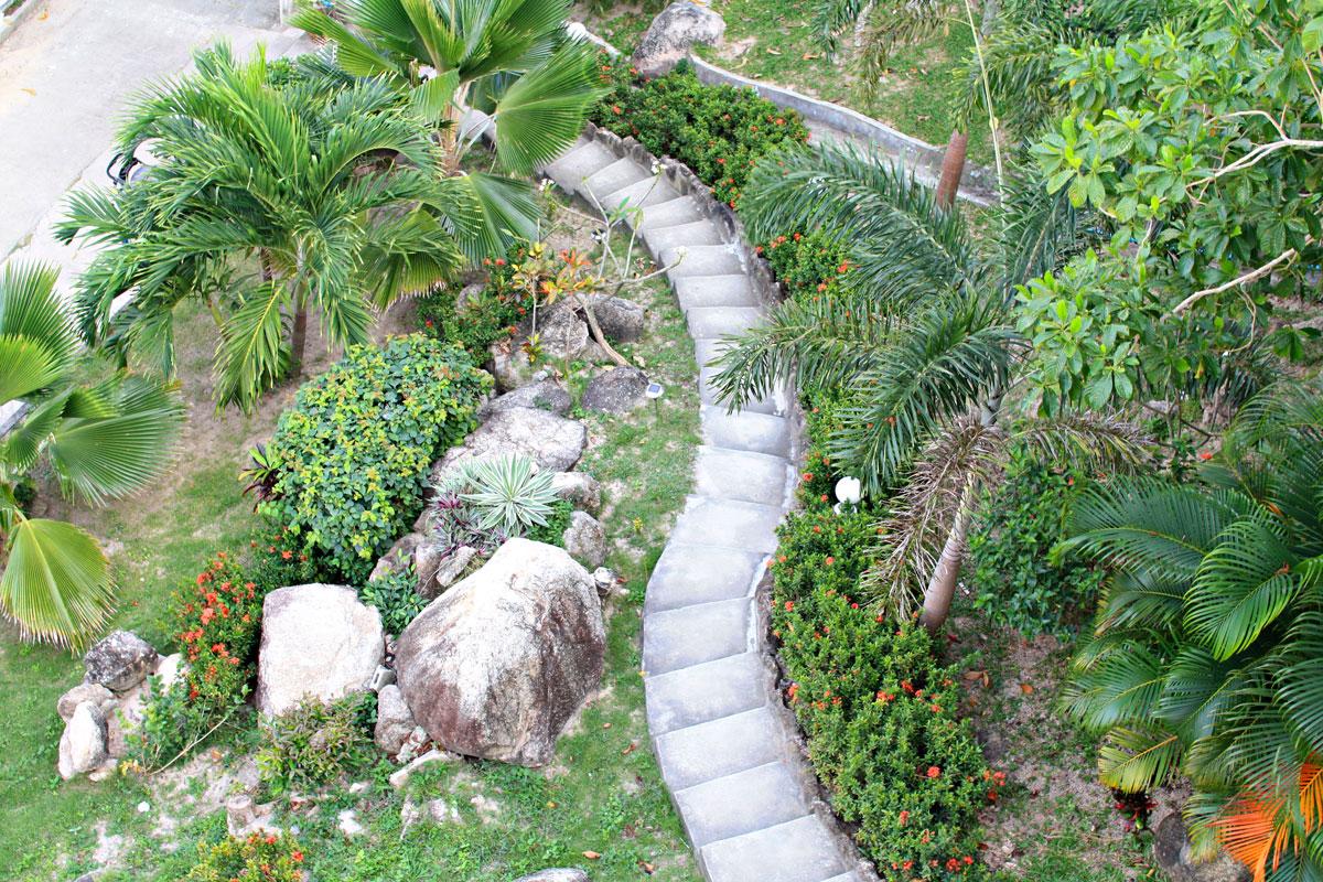 75 trappetrinn og fin-fin hage