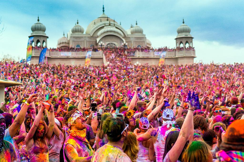 De beste stedene å feire Holi i India