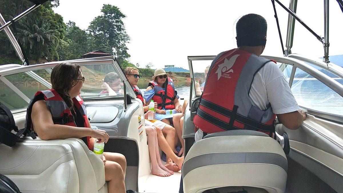 ut på båttur